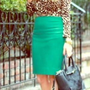 New York and Company Kelly Green Pencil Skirt
